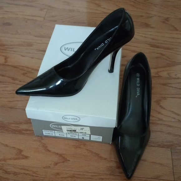 Wild Diva Shoes - Black pointed heels